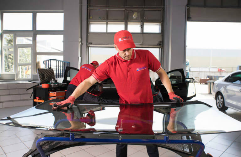 triplex-auto-stikla-maiņa-vējstikli